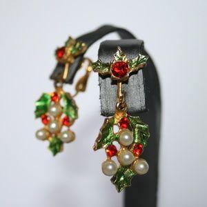 Beautiful vintage pearl christmas earrings